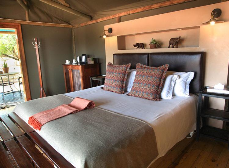 Buffelsdrift Game Waterhole Bedroom